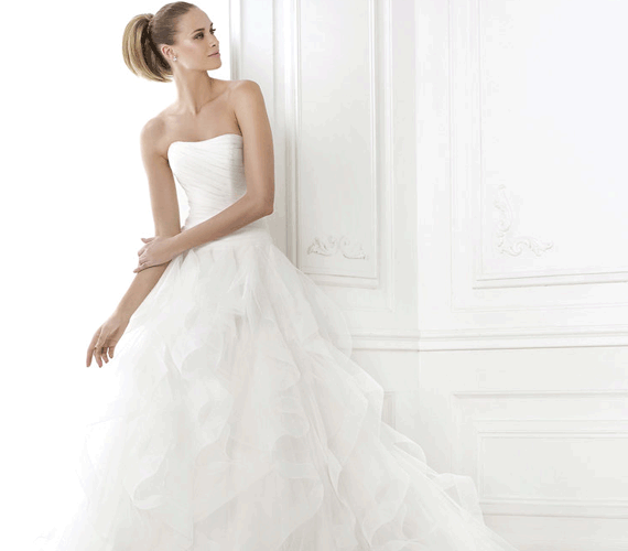 9ab3d11b5d67 Pronovias - Proms & Weddings - Brudklänningar, fest- och balklänningar